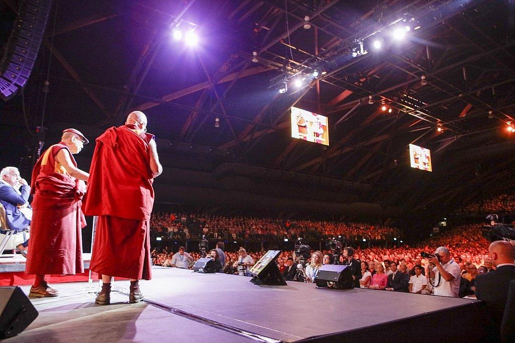 dalai-lama-1609-IV-0824large1518694085.jpg
